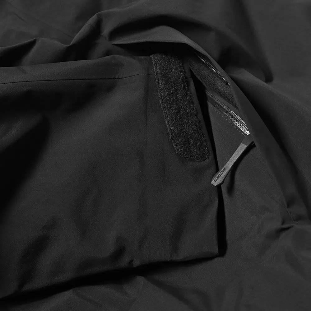 Arc'teryx Fission SV 2L Gore-Tex Jacket Black Detail 3