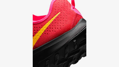 Nike Air Zoom Terra Kiger 7 University Red DM3272-600 Detail 2