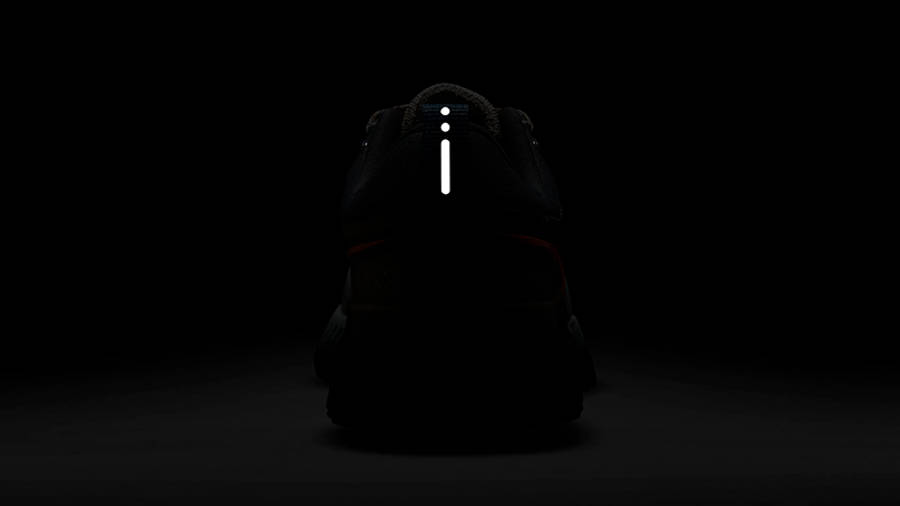 Nike React Infinity Run Flyknit 2 Sport Spice DC4577-001 in dark