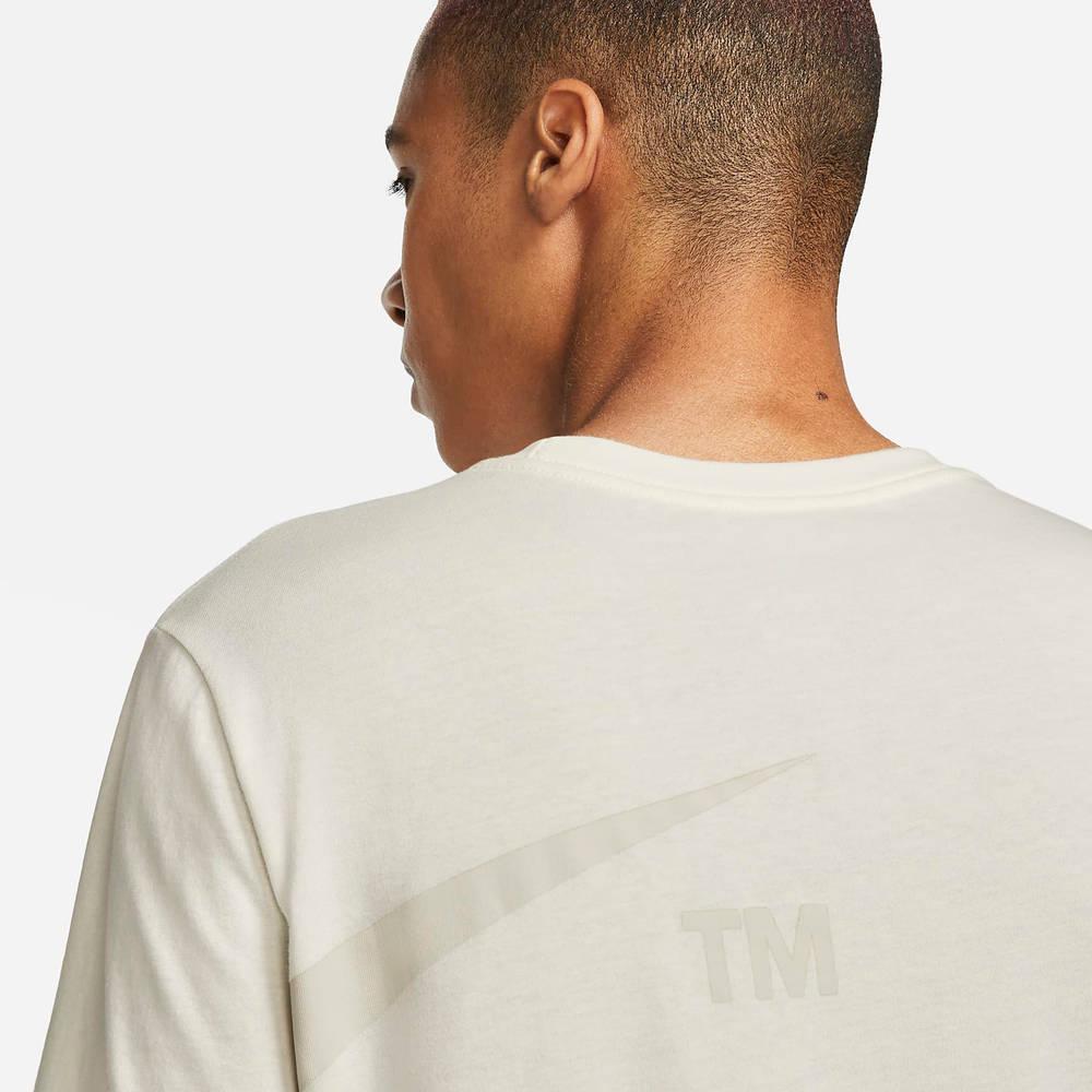 Nike Sportswear Oversized Swoosh T-Shirt DD3349-133 Detail