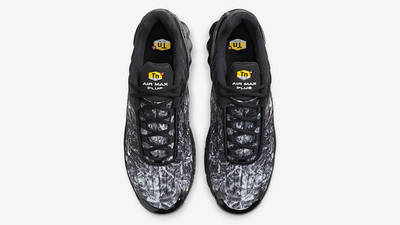 Nike TN Air Max Plus 3 Black Graphic DO6386-001 middle