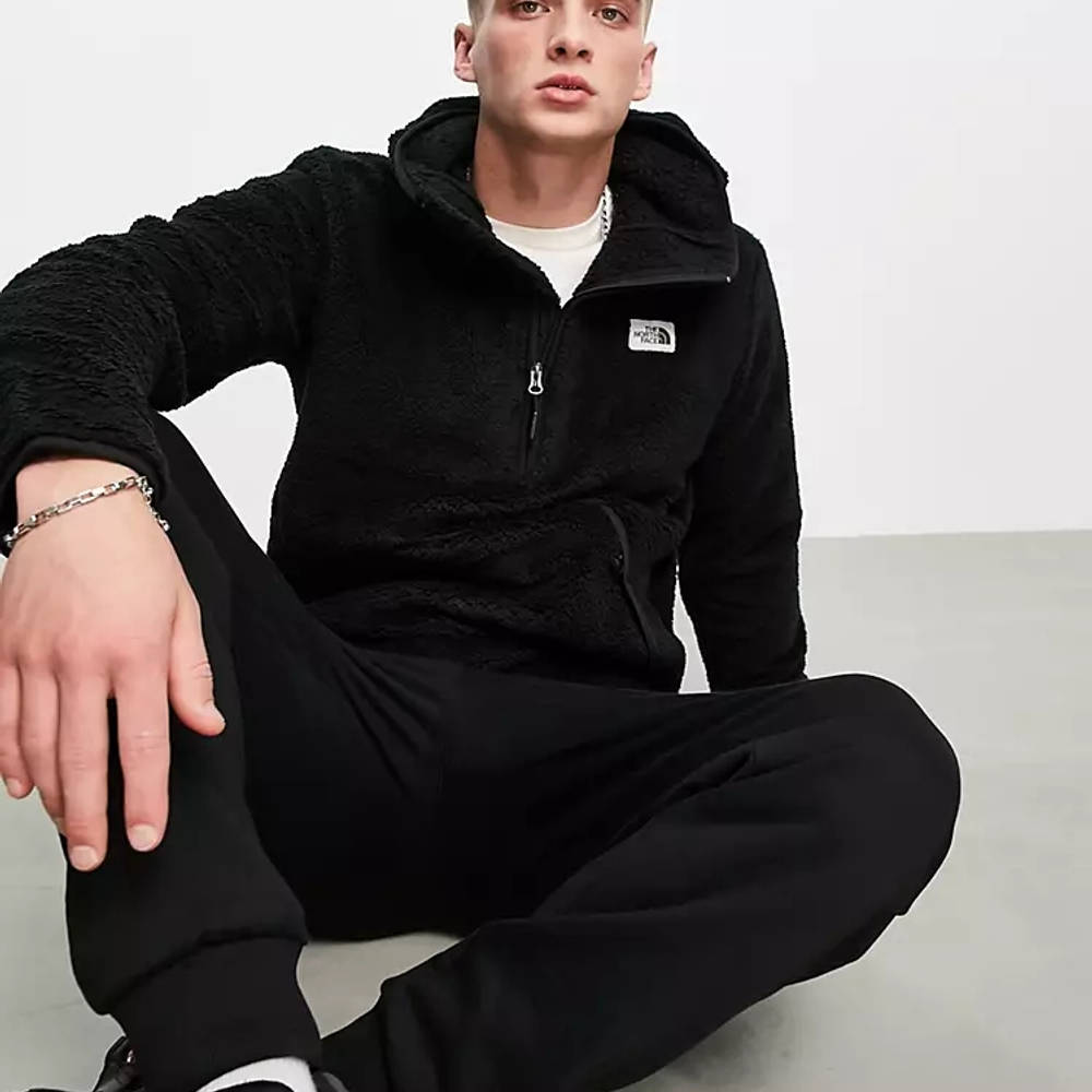 The North Face Campshire Hoodie Black Full